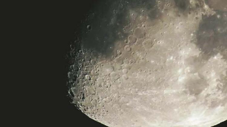 lune est riche en metal